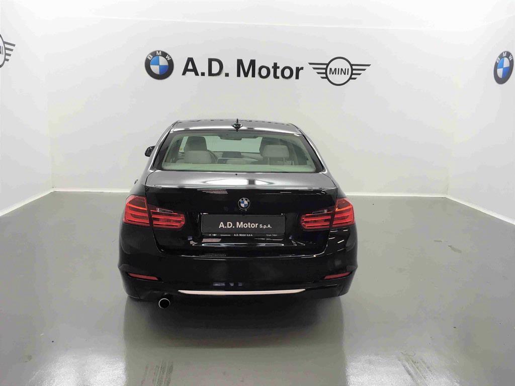 BMW - 318D MODERN