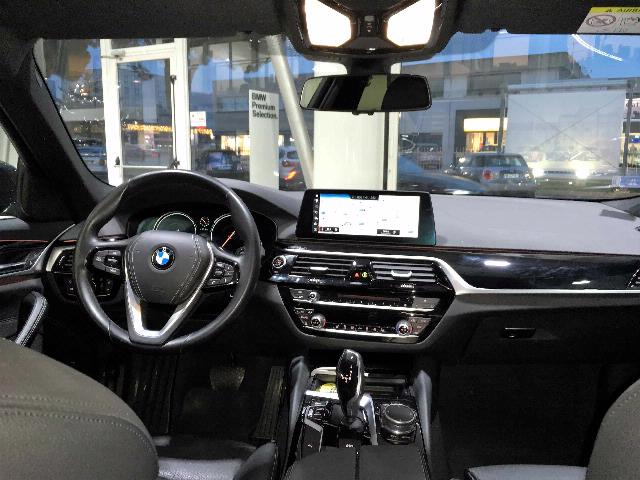 BMW - 520 D XDRIVE SPORT BERLIN